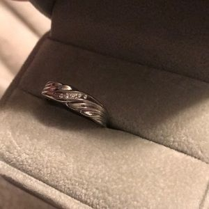 14k White Gold Ring Band •(Size 8)